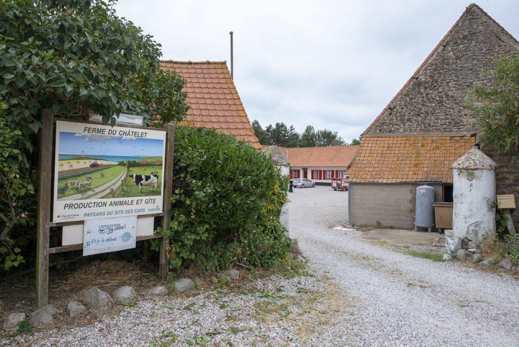 entrée de ferme rénovée