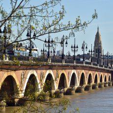 Le Pont de Pierre, un emblème de la Ville de Bordeaux