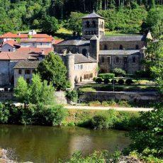 Le prieuré roman de Chamalières-sur-Loire va retrouver son jardin médiéval