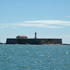 Le Fort Brescou, un bastion défensif au large du Cap d'Agde