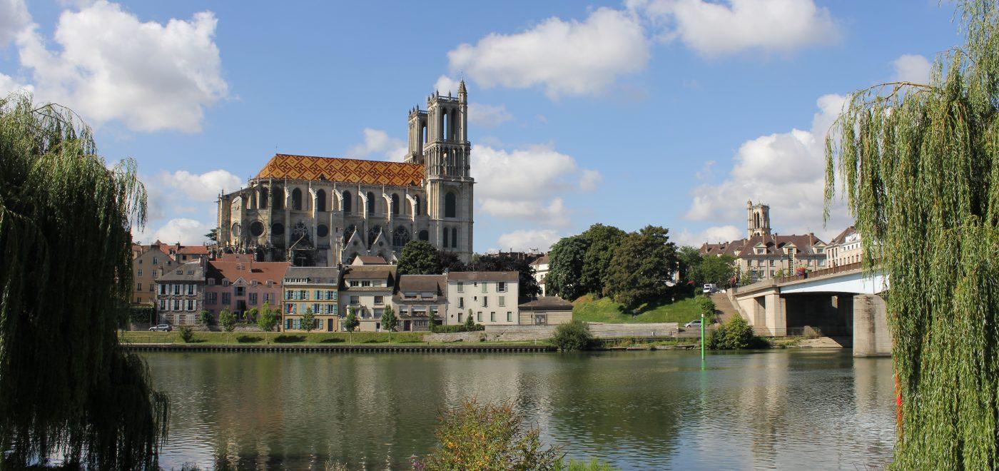 La Collégiale Notre Dame De Mantes La Jolie Un Fleuron De L Architecture Gothique Fondation Crédit Agricole Pays De France