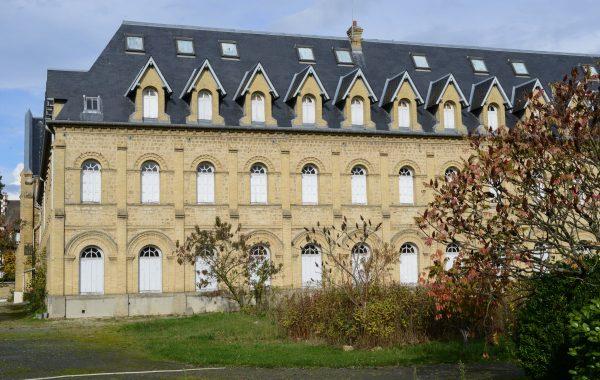 La métamorphose de l'ancien couvent des Franciscaines à Deauville