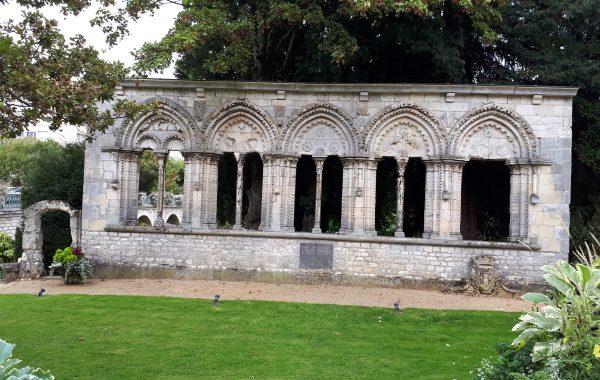 Des arcades en voie de restauration à Montargis